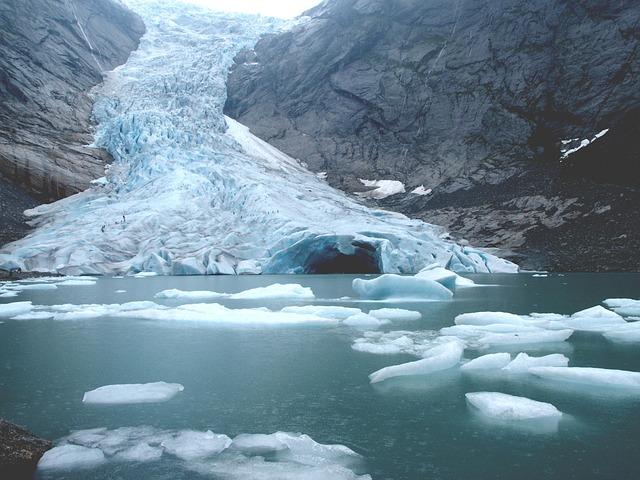 ブリスクダール氷河